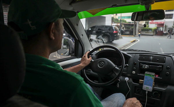'Uber of deliveries' takes off in thriving, crowded Manila