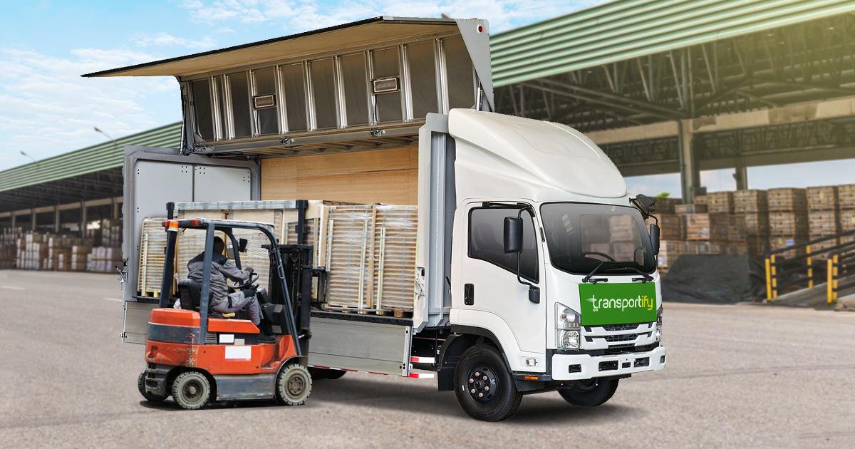 10 Wheeler Wing Van Heavy Freight Shipping Truck Hire